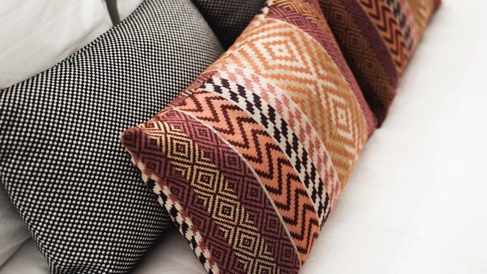 Comment décorer un canape avec des coussins ?
